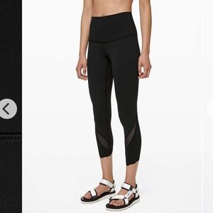 "Lululemon Wunder under scallop 24"" Black sz 4"